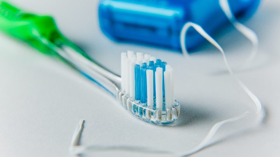 Brush or Floss which to do First Featured Image - Drake Family Dentistry