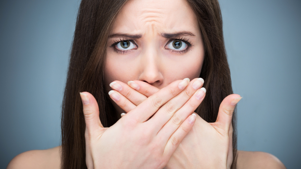 Possible Reasons For Bad Breath Featured Image - Drake Family Dentistry