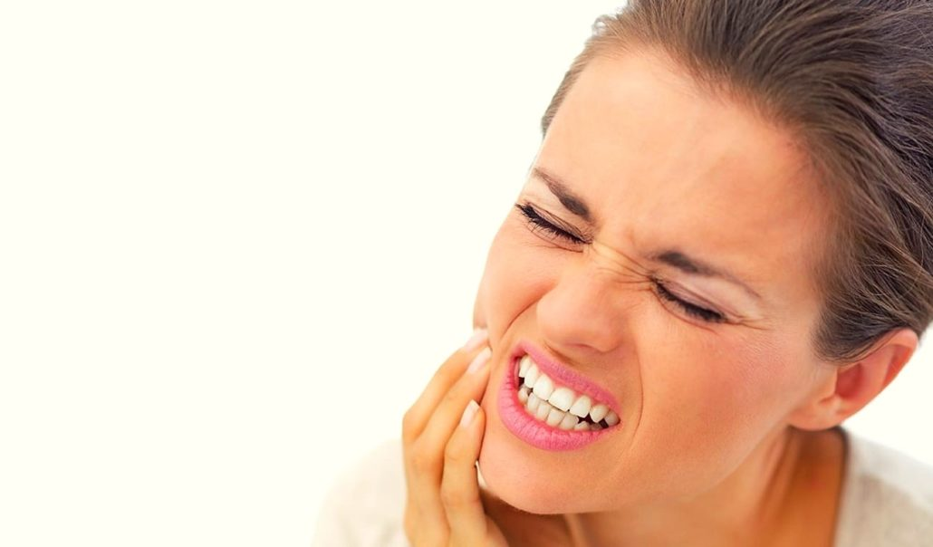 5 Ways To Beat Tooth Sensitivity Featured Image - Drake Family Dentistry